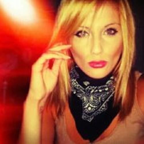 Mia Mars 2's avatar