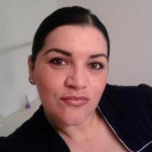 Lilia Mora's avatar