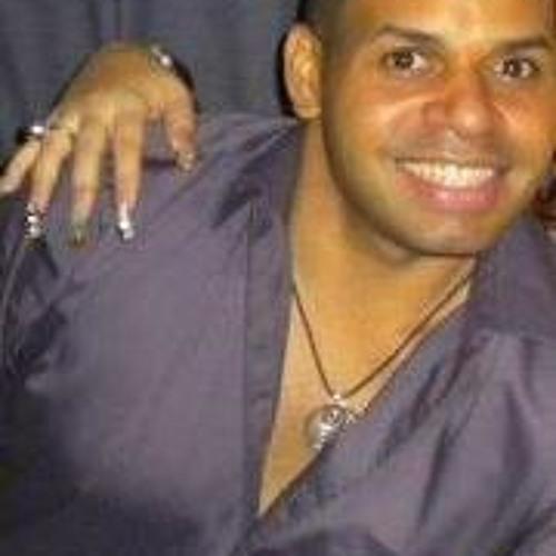 Luis Angel Calderon's avatar