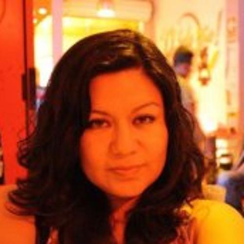 Claudia Llaguento's avatar
