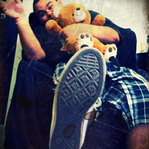 Yan Andrade's avatar