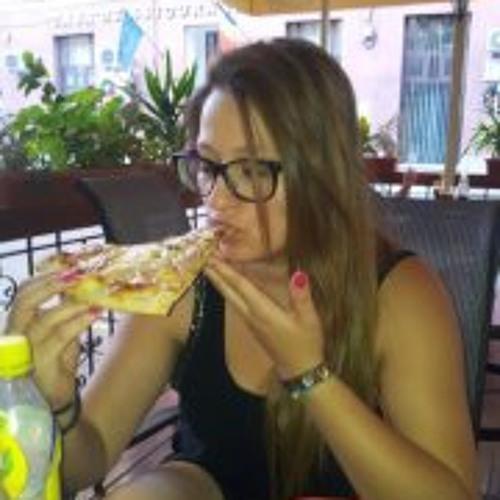 Emma Condrea's avatar