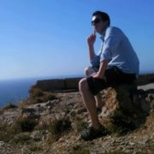 Luis Nunes 8's avatar