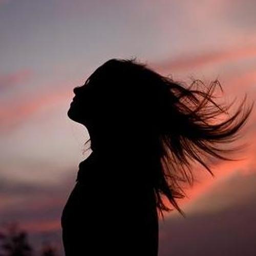 Nazanin Mtl's avatar
