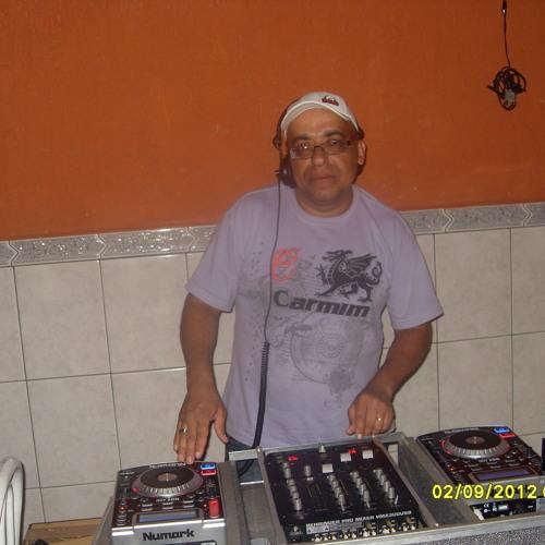 DJ Benny Rodrigues's avatar