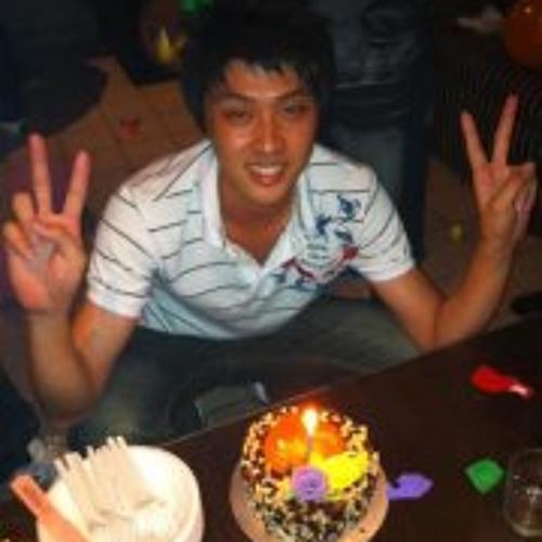 Chun Kee's avatar