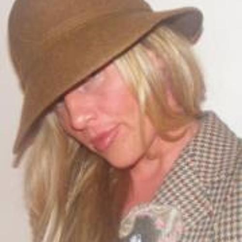Lyn Ette's avatar