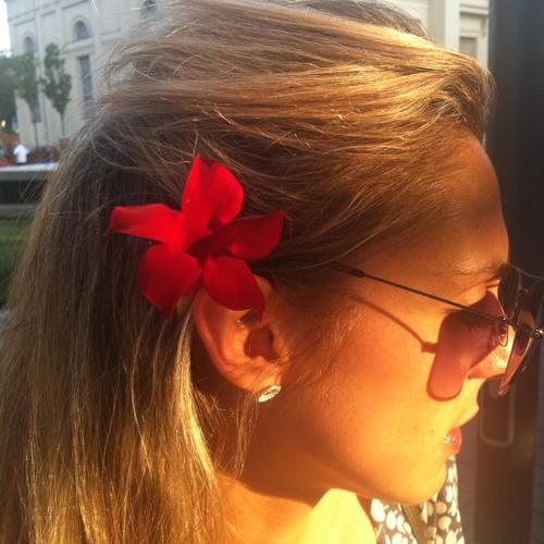 Lisa_Anne's avatar