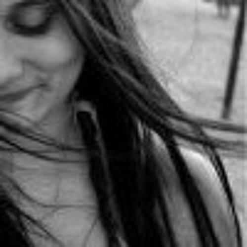 beatrice flores's avatar