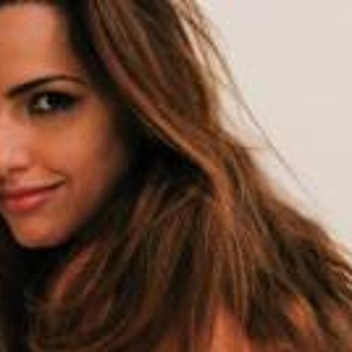 Mariana Collares's avatar