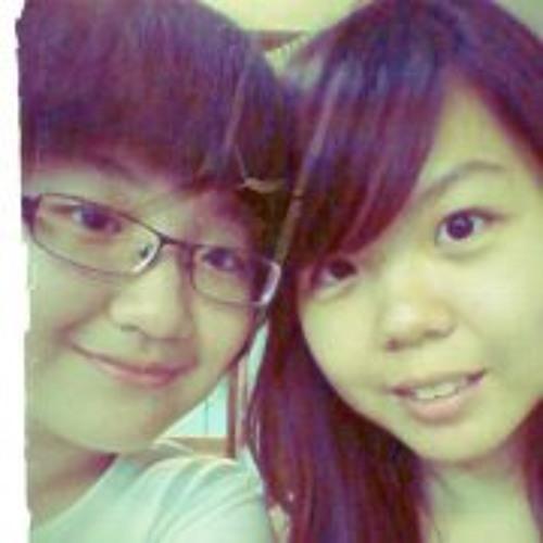 Tan Yee Ying's avatar
