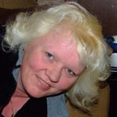 Margot van den Broek's avatar