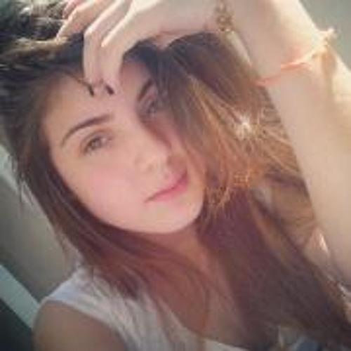 Isabella Sagueshima's avatar
