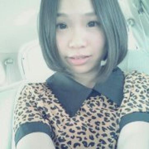 Melly Chiam's avatar