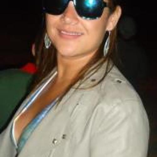 Paula Rodrigues 12's avatar