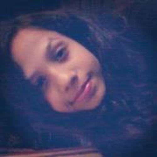 Ana Júlia Santil's avatar