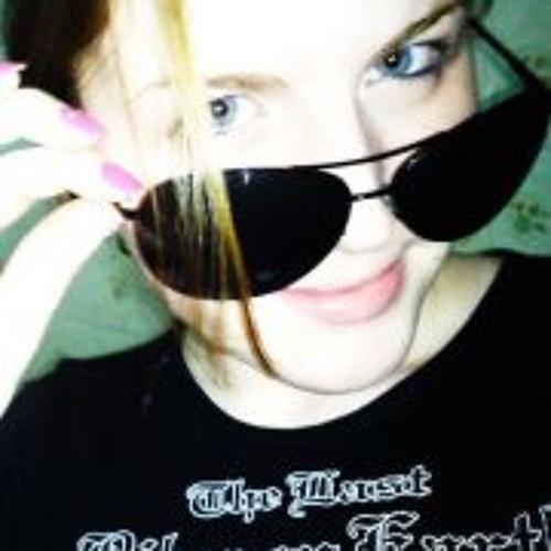 Yandra Passarella's avatar