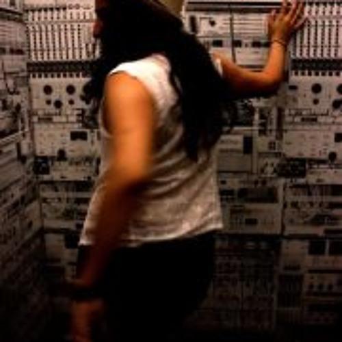 Carolina Audelo's avatar