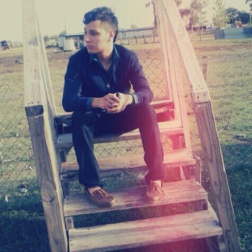 TaYlOr_GaNg:)'s avatar