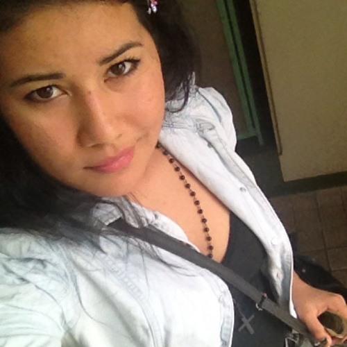 jessica higa's avatar