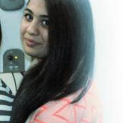 Sarah Naeem's avatar
