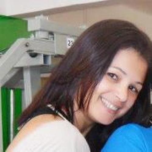 Renata Dias 12's avatar