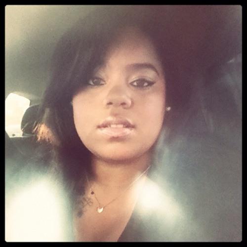 Nicollette_b's avatar