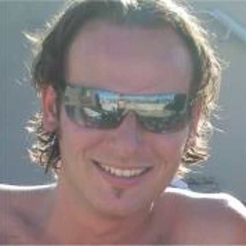 Tom Le 4's avatar