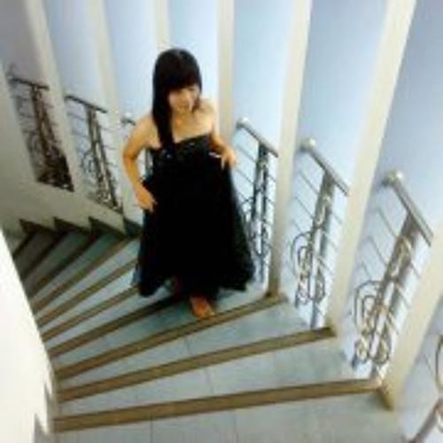 Lady Aprilia Hapsari's avatar