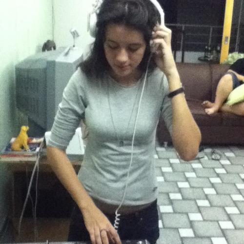 Amanda Moraes 3's avatar