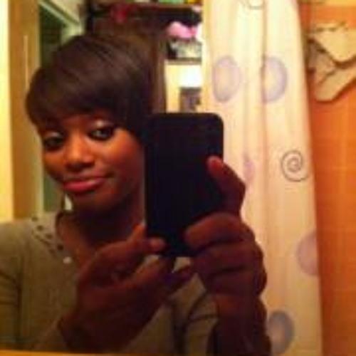 Maxine Petite Madeleine's avatar