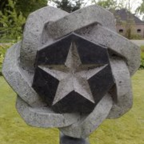 Essie Zuid's avatar