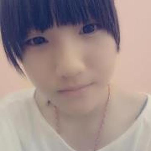 Hui Zi Lim's avatar