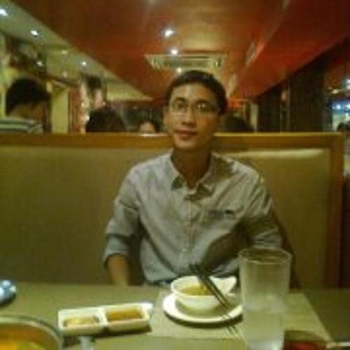 Linh Pio's avatar
