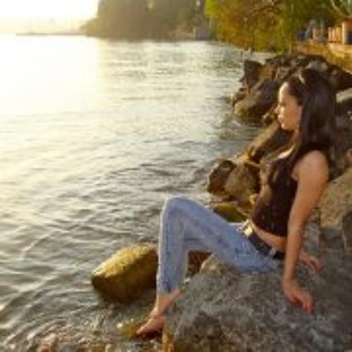 Janaina Luana Dominguez's avatar