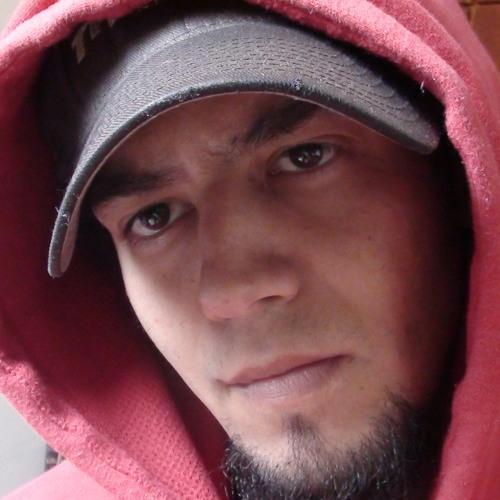 Lucas Paulucci Pereira's avatar