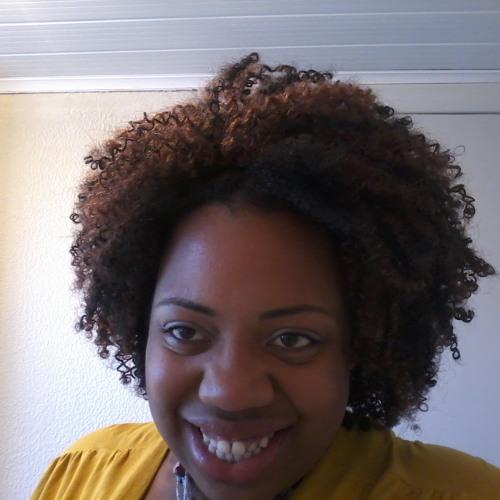Heloisa Meireles's avatar