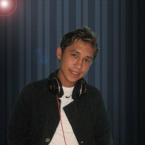 Ryan Velazquez Official's avatar