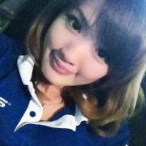 mika yun's avatar
