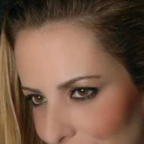 Paula Azzi 1's avatar