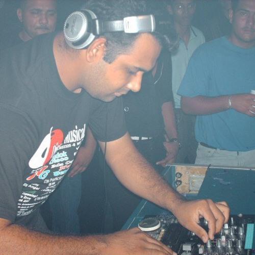 DJ RONY MORENO's avatar