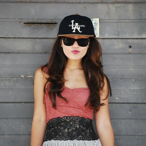 ElleJayBee's avatar