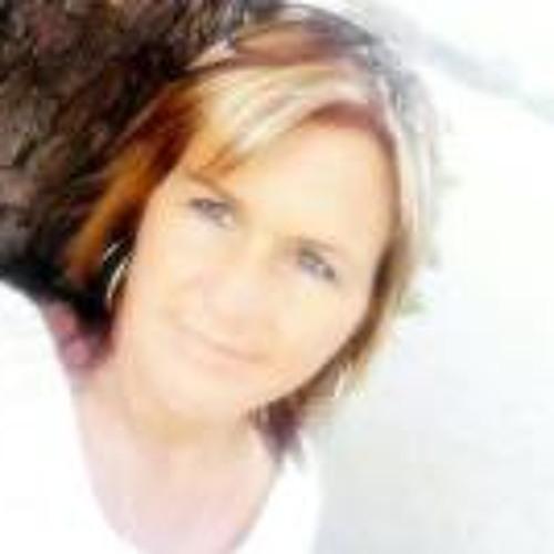 Mishelle Farrell's avatar