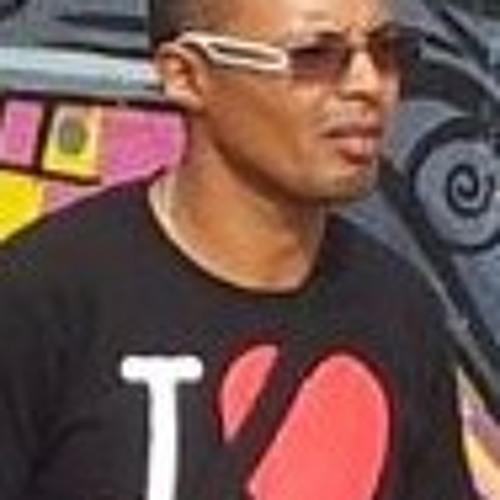 lucio6603's avatar