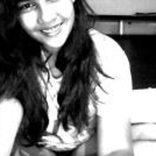 Maria Clara L's avatar