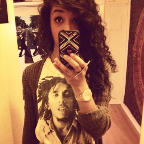 Arielle Victoria's avatar