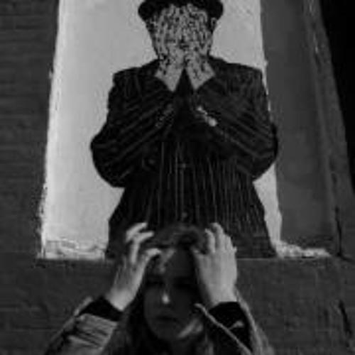 Julia Sdrigotti's avatar