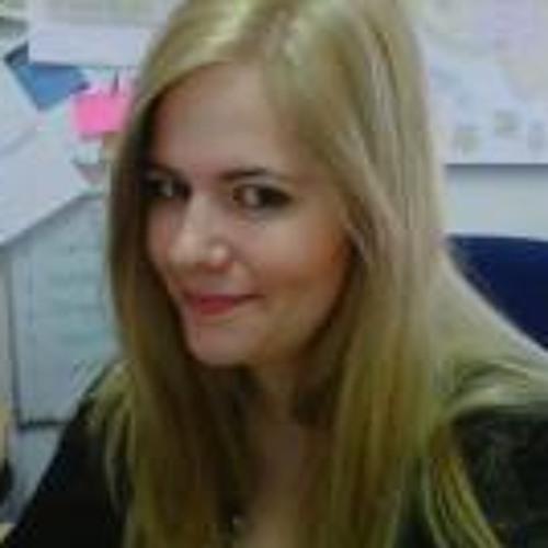 Marta Hunt's avatar