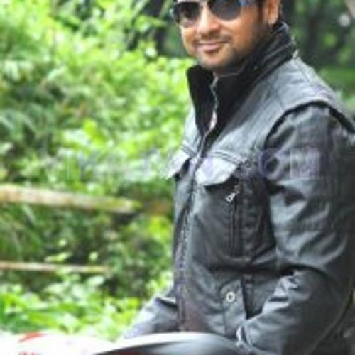 Mari Muthu 2's avatar