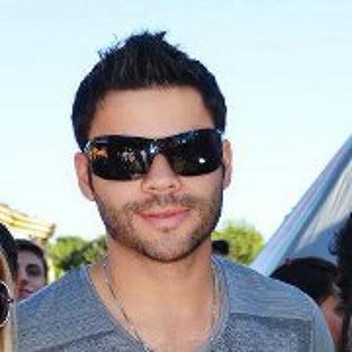 Julio Moreira 1's avatar